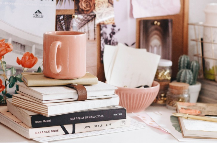 books-coffee-mug-benefits-of-reading-Everleigh-2020